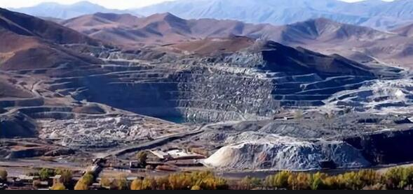 large mineral deposits in Tibet